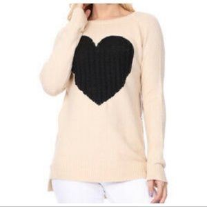 ✨ONE DAY SALE✨Beautiful Heart ❤️ Pull over sweater